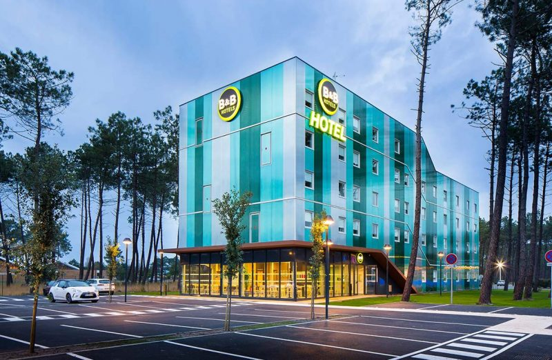 The 'B&B hotel Bassin D'Arcachon' project France. Long-span Danpalon® facades were used as dual-purpose commercial wall cladding for the building envelope. Ice, clear softlite and green colours were used.