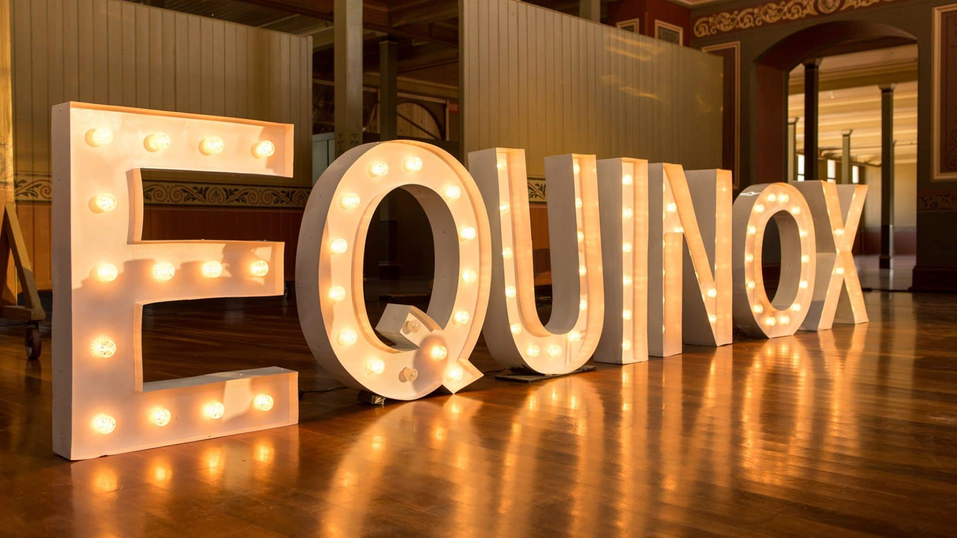 Equinox Evolution Melbourne Logo and AIS Australia Architectural Expo. Exhibition showcasing polycarbonate Roofing, Skylights and Wall Panel Cladding