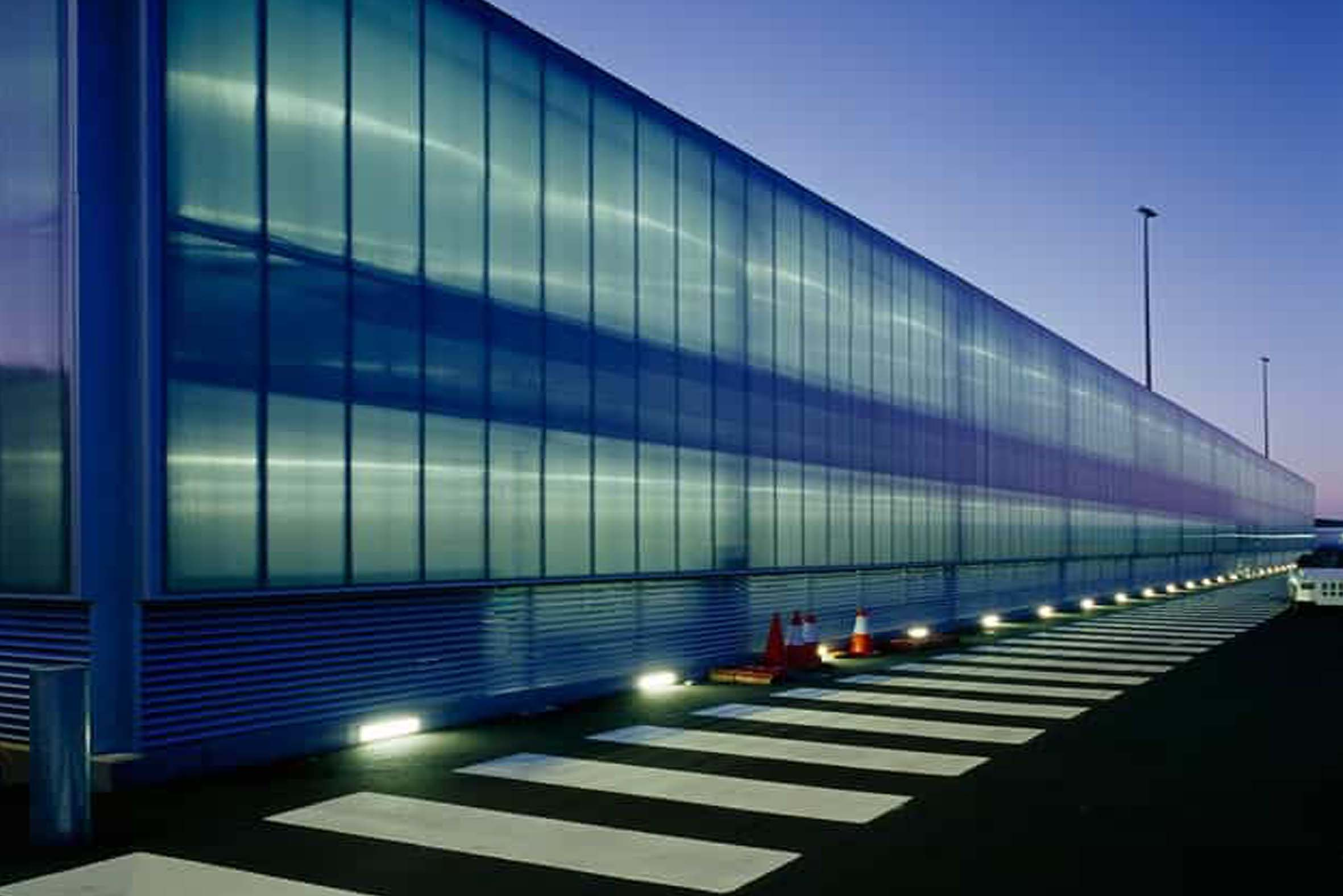 Hobart Airport Leads in Energy Efficiency with New Airport Façade