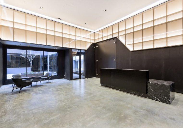 Interior façade using Danpalon Polycarbonate Transparent Panels for Channel 9 Perth, Western Australia reception area.